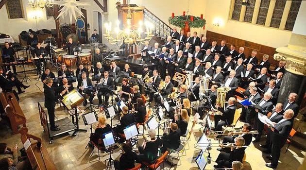 Weihnachtskonzert des Gronauer Männerchores mit dem Posaunenchor der Erlöserkirche in der Stadtkirche
